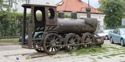 Stoi w Warszawie lokomotywa