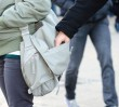 Jak nie paść ofiarą kieszonkowców na przystanku?
