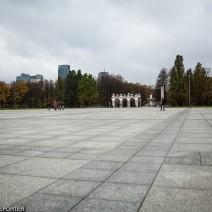 Plac Piłsudskiego stał się terenem zamkniętym. Taką decyzję podjęło MSWiA