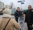 """Zbiórka głosów na Ursynowie. """"Polacy mogą czuć się przez PiS oszukani"""""""