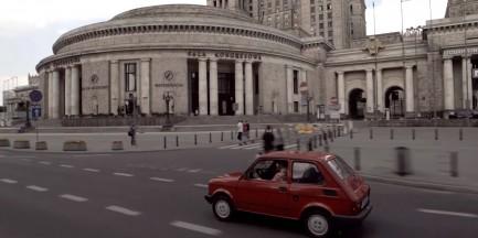 Podbiły polskie drogi i serca. Wyjątkowa wystawa maluchów przed PKiN