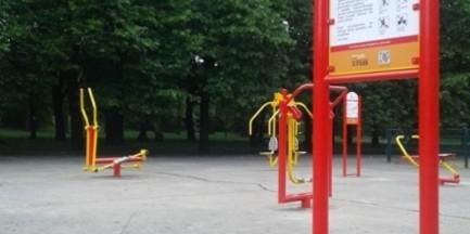 Nowa siłownia plenerowa w Parku Traugutta