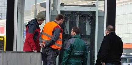 Nowe windy na rondzie Dmowskiego