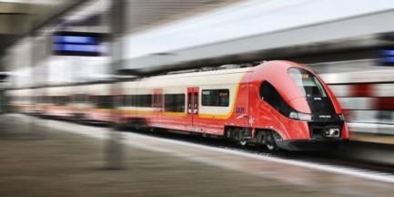 Potężna awaria w Rembertowie. Utrudnienia w kursowaniu pociągów SKM i KM