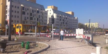 Budowa trakcji tramwajowej na Tarchominie trwa. Czy zakończą prace w terminie?