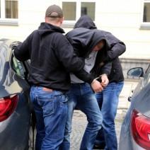 Policja rozbiła grupę paserów luksusowych samochodów