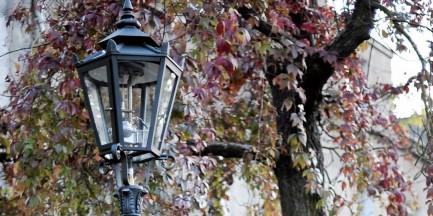 """Uliczne latarnie gazowe kończą 160 lat. """"Prześliczne, czyste i srebrzyste światło"""""""