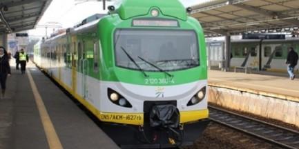 """Koleje Mazowieckie reagują na skargi pasażerów. """"Będą zmiany w rozkładzie"""""""