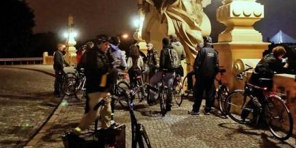 Nocne zwiedzanie Warszawy na rowerach