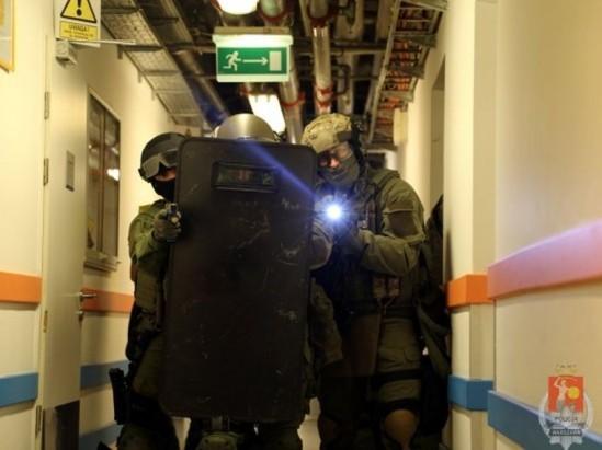 Zdjęcie ilustracyjne - ćwiczenia policji w warszawskim hotelu Fot. Policja.pl