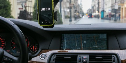 W Warszawie wystartował UberEATS. Są już pierwsze komentarze