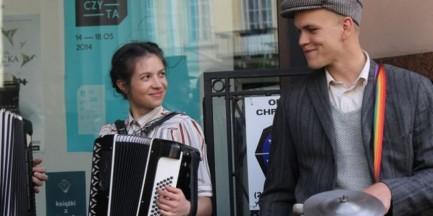 Zbierają pieniądze na wydanie płyty z warszawskimi piosnekami. Ty też możesz pomóc!
