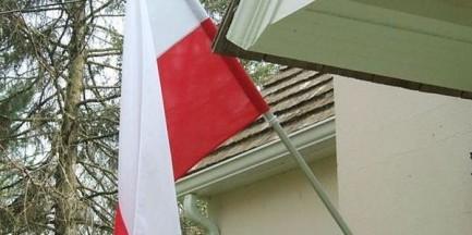 Szwed i Niemiec ukradli flagi z kościoła