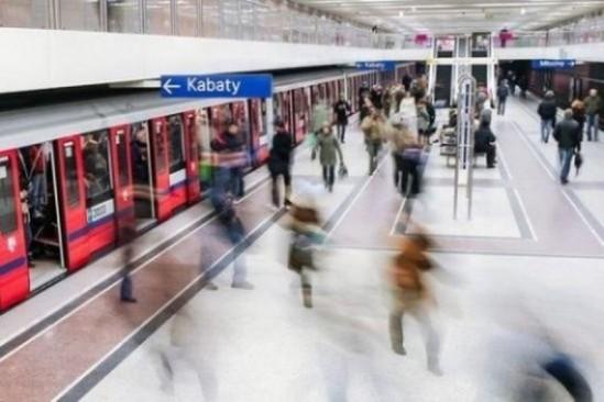 Warszawska stacja metra. Fot. Robert_z_Ziemi/Pixabay