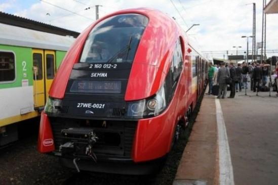 Pociąg Szybkiej Kolei Miejskiej (SKM). Fot. Albert Zawada/Agencja Gazeta