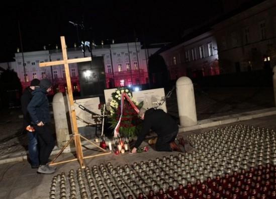 """Nawet 2 mln zł mogą kosztować pomniki """"smoleńskie"""" w Warszawie"""