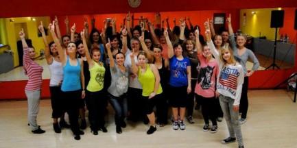 Taniec przy metrze, flashmob na Dworcu Centralnym