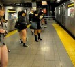 Przejedź się metrem bez spodni!