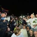 Zamieszki podczas kontrmanifestacji zorganizowanej między innymi przez ruch społeczny Obywatele RP na pl. Zamkowym i Krakowskim Przedmieściu w Warszawie. Fot. Marcin Obara/PAP