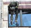 Siły specjalne na ścianach PKiN. Ćwiczenia przed szczytem NATO i ŚDM (ZDJĘCIA)