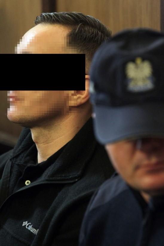 Robert M podczas rozprawy o podwójne zabójstwo . Fot. Przemek Wierzchowski/Agencja Gazeta