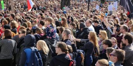 """""""Odzyskać wybór"""". Kolejny protest przeciwko zaostrzeniu ustawy antyaborcyjnej"""