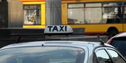 Pobili taksówkarza, zdemolowali samochód ratownika medycznego