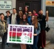 """W Warszawie powstał nowy mural. """"Nie możemy przymykać oczu na łamanie praw człowieka"""""""
