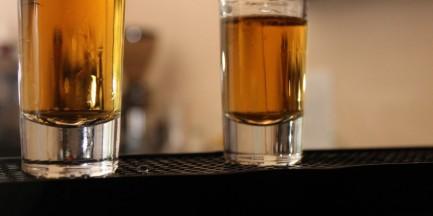 Biciem i pogróżkami zmusili do kradzieży piwa i kiełbasy