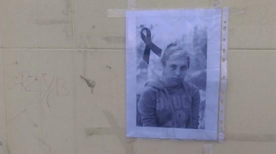 Zdjęcie 14-letniej Klaudii umieszczone na jednym z budynków przy ulicy Targowej. Fot. WawaLove.pl