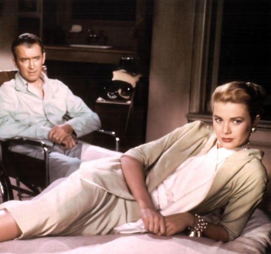 """Grace Kelly i James Stewart. Kadr z filmu """"Okno na podwórze"""""""