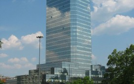Czy nad Błękitnym Wieżowcem na placu Bankowym ciąży klątwa?