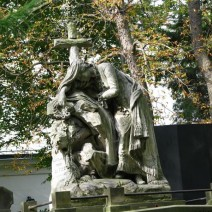 29 specjalnych linii cmentarnych na Wszystkich Świętych [INFORMATOR]
