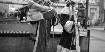 Mikołaje w Warszawie [stare zdjęcia]