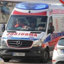 Trzylatek wypadł z okna na ósmym piętrze i zmarł. Śledczy przesłuchali świadków