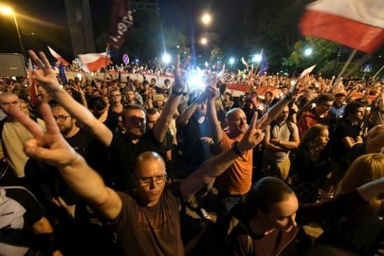 Protest na Krakowskim Przedmieściu. Fot. Bartłomiej Zborowski/PAP