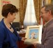 Prezydent Warszawy dźwiga stolicę na głowie