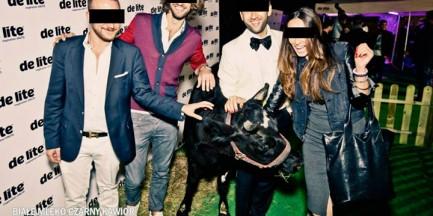 Selfie z krową na modnej imprezie. Internauci bojkotują klub